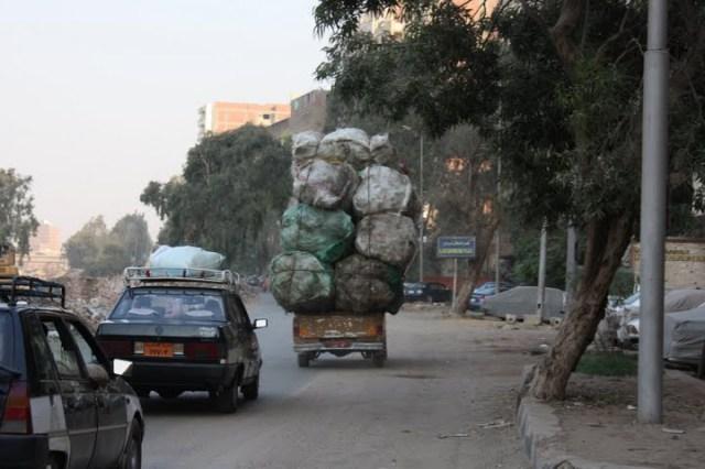 Caminhão a caminho de Sakara